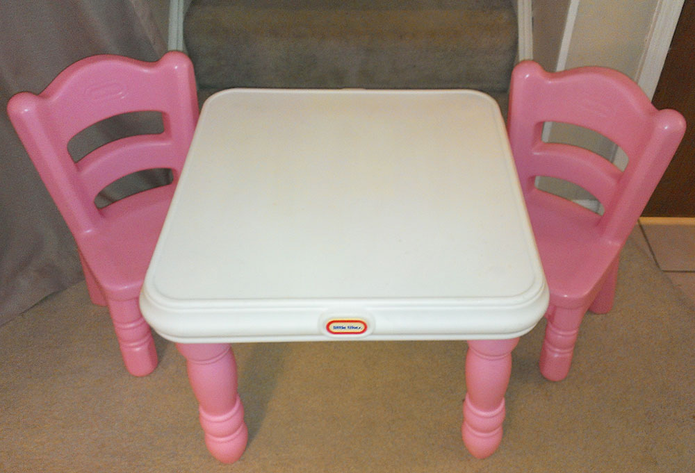 little tikes victorian tender hearts table 2 pink chairs euc ebay. Black Bedroom Furniture Sets. Home Design Ideas